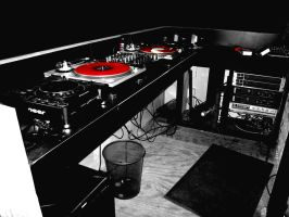 Red Turntables by BatteryAcid2
