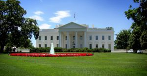 White House by LoveLikePoetry1