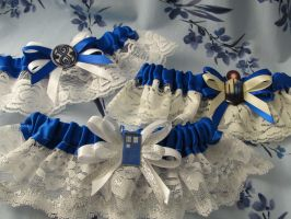 Doctor Who themed wedding garters by emmadreamstar