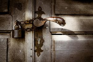 Latch and lock by kereszteslp