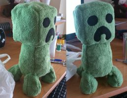 My first plush: Creeper by Ayinai
