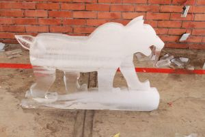 Ice Sculpture #4 Smilodon by Nikuzilla