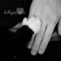 Hold my hand. by billyjeaaan