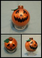 Jack-O-Lantern Ornament by cutekick