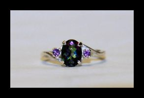 Mystic topaz with two amethyst by manwithashadow