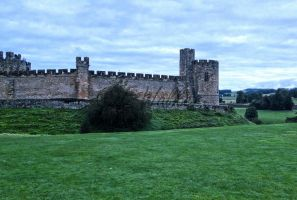 Alnwick Castle by LittleMissMischief