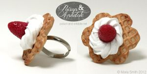 Adjustable Strawberry Waffle Ring by chat-noir