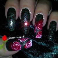 Alice in Wonderland - Paint the roses red nail art by amanda04