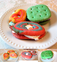 Avengers-Themed Cookie Sandwiches by Crocuta-Crocuta