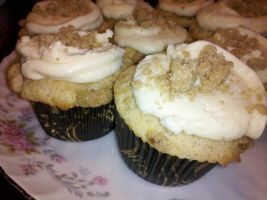 French toast  cupcakes with Maple buttercream by KauseNeffect