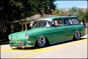 MINTY FRESH WAGON VW VARIANT by HypnotiKDSIgns