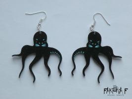 Cthulhu Earrings by faktoria-f