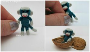Tiny Monkey by sojala