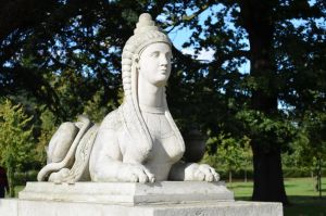 Chiswick House - Statue by cncplyr