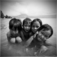 .4naked girls. by b-photo