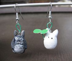 Totoro earrings by Hapuriainen