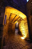 Complementary Colors on Stone Passage by Lissou-photography