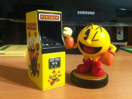 Pac-Man Arcade Candy And Pac-Man Amiibo by OldClassicGamer