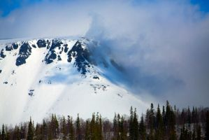 Fog in mountains by olgaFI