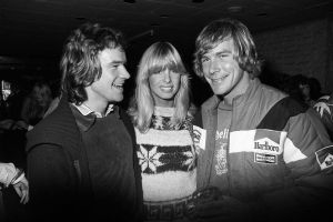 Barry Sheene   James Hunt (Great Britain 1976) by F1-history