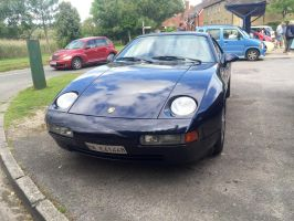 Porsche 928 GTS front by Car-lover33