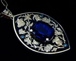 Tanzanite Roses 18k Gold Necklace by jessa1155