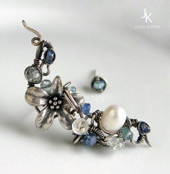 Another variant of Caribbean flower silver earcuff by JuliaKotreJewelry