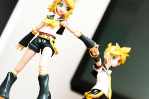 Vocaloid - Kagamine Twins 3 by Skecchu