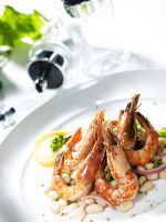 Shrimps on beans by Bigpanther