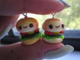 Polymer Clay Hamburgers by strawberrycharms