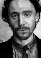 Thomas Hiddleston by Red-Szajn
