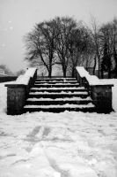 Snowy steps by xchingx