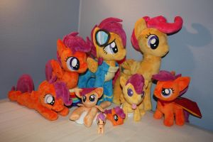 My tiny Scootaloo army! by Leahlinn