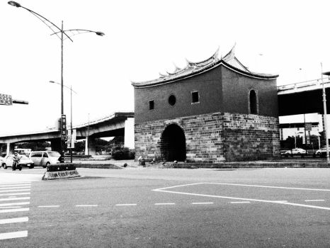 old city gate black and white by enter741002