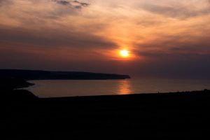 Whitby bay Sunset by irwingcommand