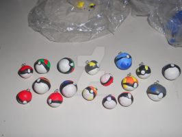 Pokeball earrings by Sagojyousartpage