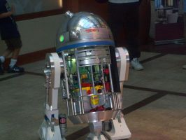 R2D2 by Jovianwolfgirl