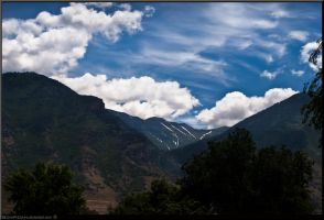 The Distant Valley HDR by schpidah