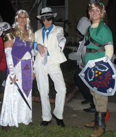 Halloween Photos: MJ with Zelda and Link by conkeronine