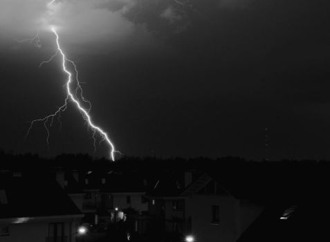 thunder 2b black and white by bart2012