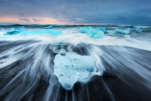 Jokulsarlon Beach by porbital