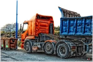 Truck - HDR by eeZoME