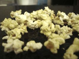 Scattered Popcorn by kezzoXrawks