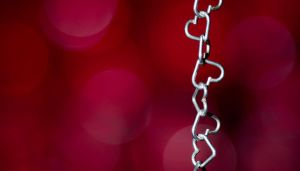 Bokeh and chain of hearts by brokenbokeh