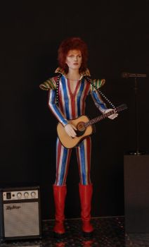 Ziggy played guitar..... by dollsbydell