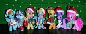 Christmas Ponies by RedCrosseKnight