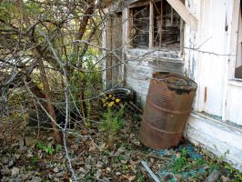 junk in the yard by giberwitz