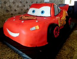 Lightning McQueen cake by kreativekortney