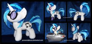 Vinyl Scratch -- Bronycon 2014 by Peruserofpieces