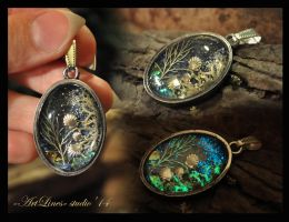 Sea - glow in dark pendant by Laurefin-Estelinion